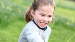Charlotte fa 4 anni. Nelle foto scattate da Kate, la principessa sempre più simile alla