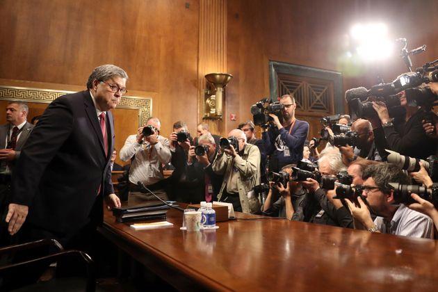 트럼프 대통령의 훌륭한 '방패막이' : 윌리엄 바