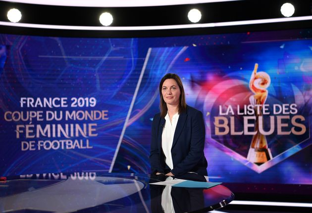 Corinne Diacre sur TF1 pour l'annonce de sa liste des 23 pour le Mondial, le 2 mai