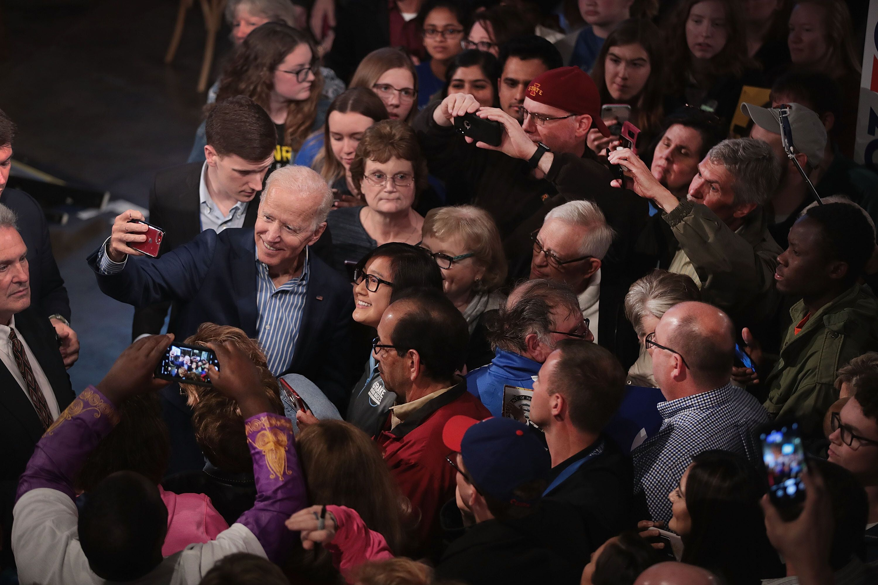 DES MOINES, IOWA – MAY 1: Democratic presidential candidate and former vice president Joe Biden greets guests during a campaign event at The River Center on May 1, 2019 in Des Moines, Iowa. The event was Biden's final rally in the state, wrapping up his first visit since announcing that he was officially seeking the Democratic nomination for president.   (Photo by Scott Olson/Getty Images)