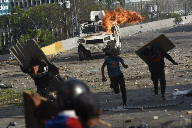 Ao menos 4 pessoas morreram nos conflitos da semana entre manifestantes a favor e contra