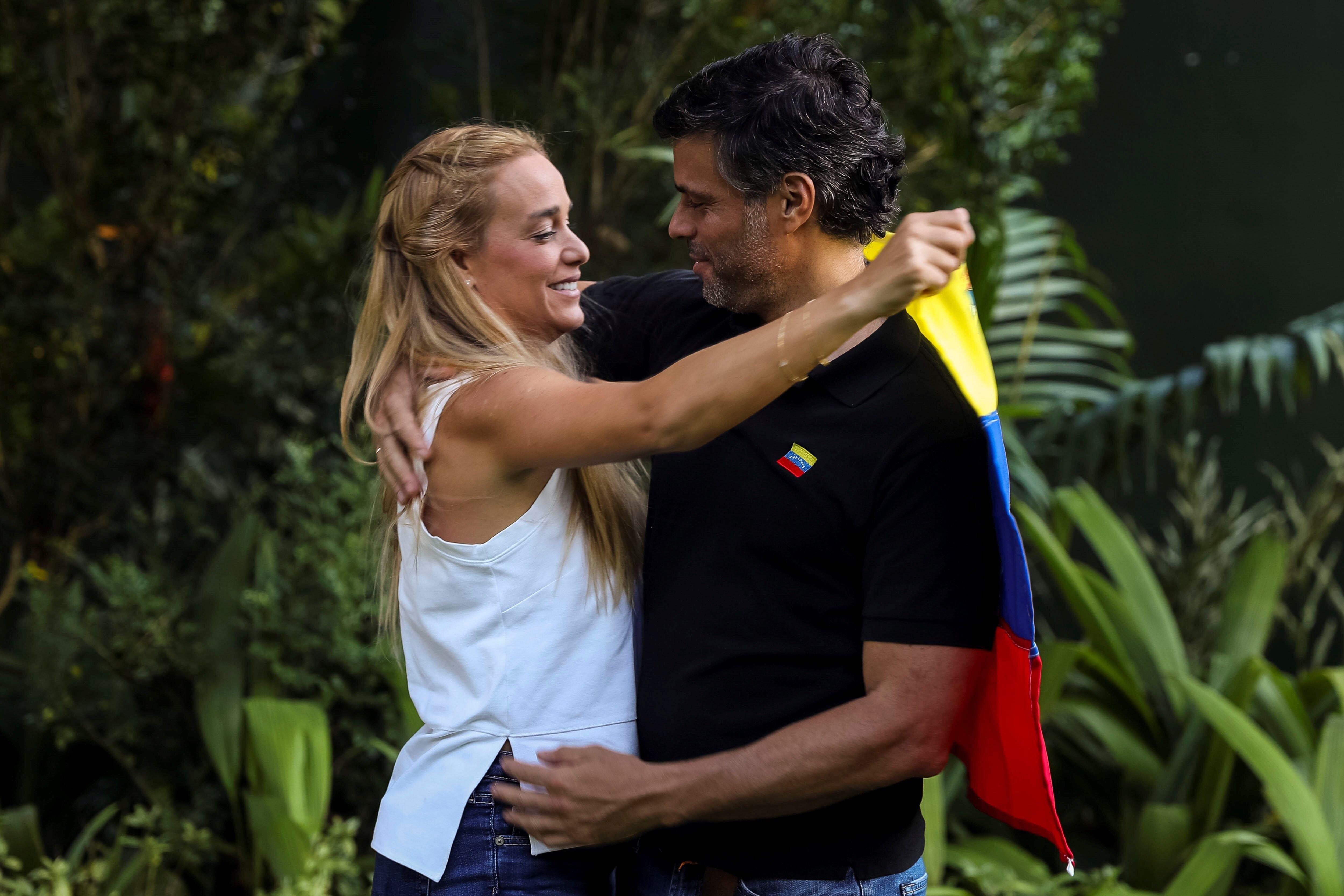 """López anuncia """"más movimientos del sector militar"""" en"""