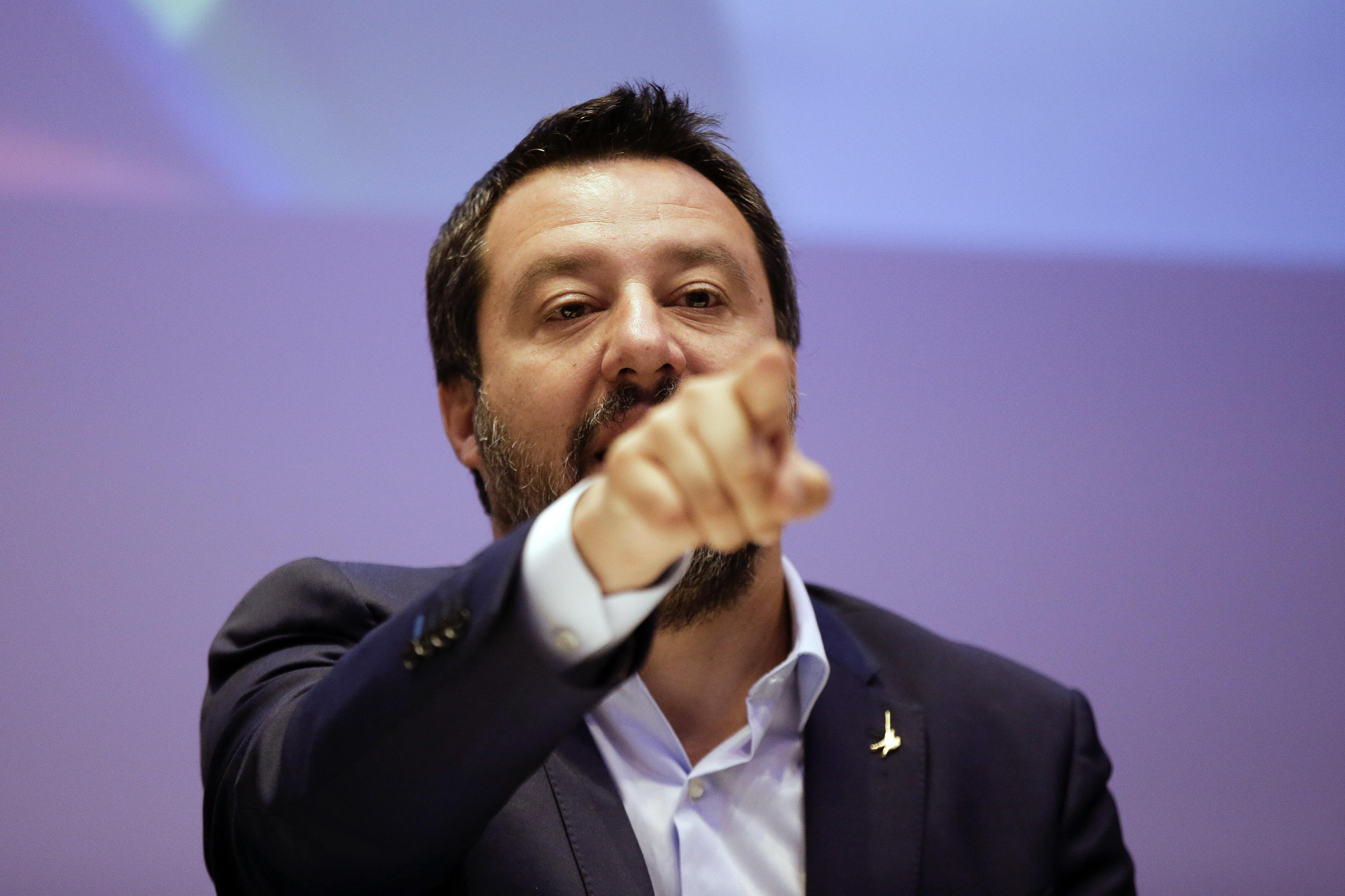 Ακροδεξιά προπαγάνδα Σαλβίνι: Αν κερδίσει η Αριστερά η Ευρώπη θα γίνει ισλαμικό
