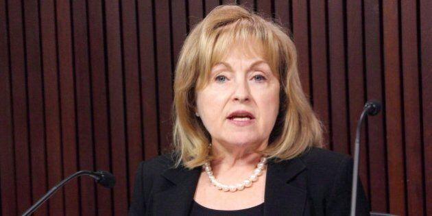Madeleine Meilleur n'a pas l'intention de se récuser du poste de commissaire aux langues