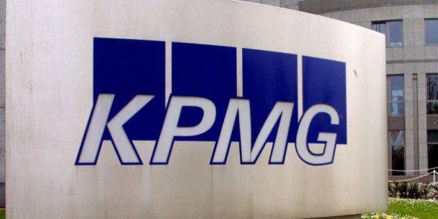 Das Gebaeude der Wirtschaftspruefungsgesellschaft KPMG am Mittwoch, 24. April 2002 in Frankfurt. Die...
