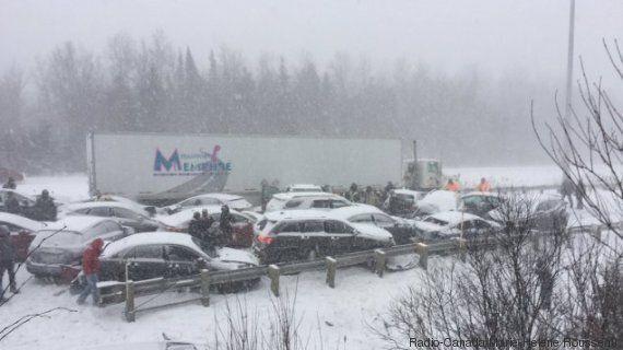 L'autoroute 20 est fermée en direction ouest à la suite d'un violent