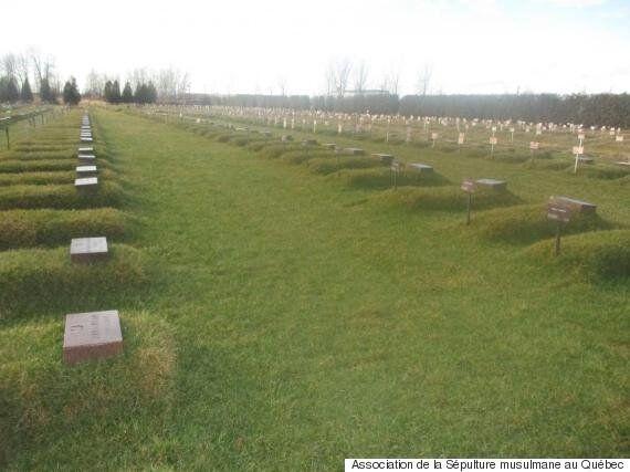 Rites funéraires musulmans: la douleur d'enterrer l'être aimé au