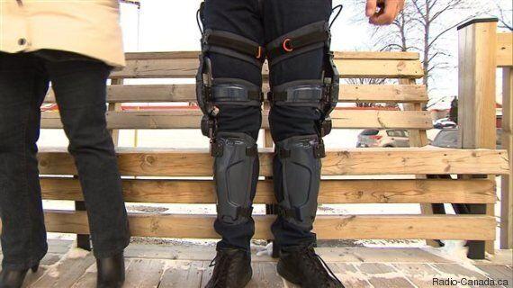 Un militaire à la retraite marche à nouveau grâce à un exosquelette