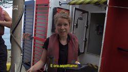 Storia di Chloe, che soccorre i migranti come volontaria della Sea