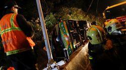Un accident d'autocar fait au moins 32 morts à