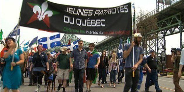 Des centaines de personnes défilent pour commémorer la lutte des