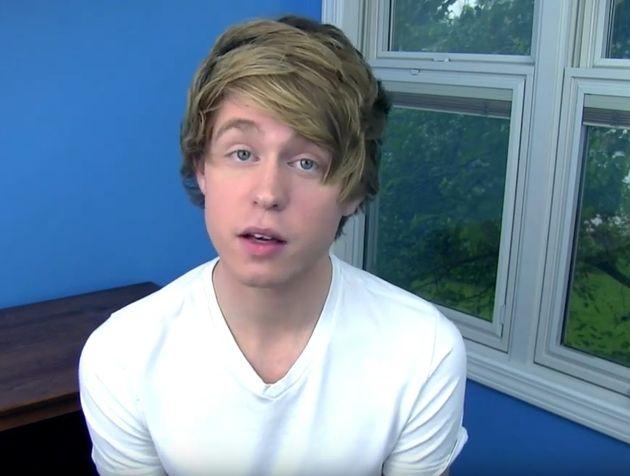 Διάσημος Youtuber κατηγορείται για σεξουαλική παρενόχληση ανήλικων θαυμαστριών