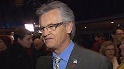 L'ex-maire Gilles Deguire sort de