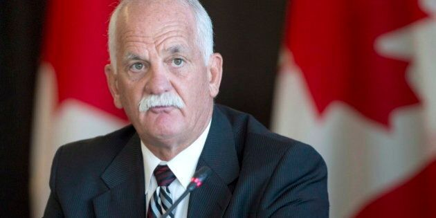 L'ex-ministre Vic Toews s'est placé deux fois en situation de conflit