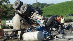 Accident d'une bétonnière sur l'autoroute 132 Est: le camionneur a perdu la