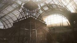 Chanel fait rentrer la tour Eiffel à l'intérieur pour la Semaine de la