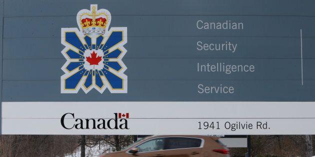 Le Service canadien du renseignement de sécurité est poursuivi pour 35 millions