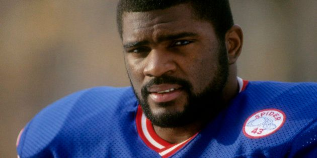 EAST RUTHERFORD, NJ - CIRCA 1986: Linebacker Lawrence Taylor #56 of the New York Giants in this portrait...