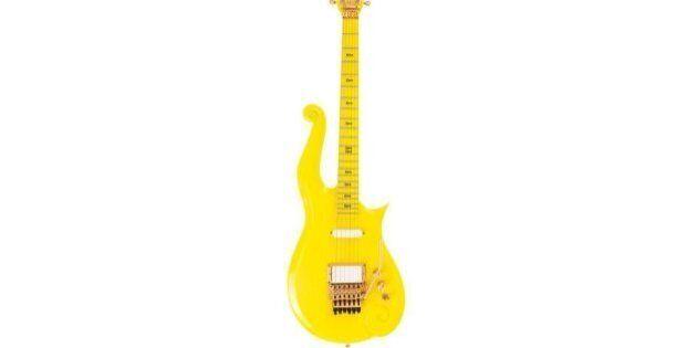 Une guitare jaune mythique de Prince bientôt aux enchères