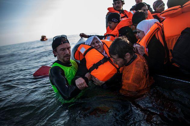 Τουρκία: 7 νεκροί σε σκάφος που μετέφερε μετανάστες και βυθίστηκε ανοιχτά του