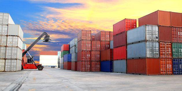 Quatre personnes trouvées jeudi dans un conteneur au port de