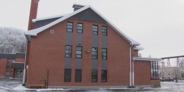 Québec: les émanations de l'usine Anacolor privent des écoliers de