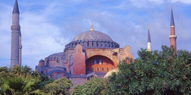 L'édifice de Sainte-Sophie est considére par certains comme la huitième merveille du monde ; plus de...