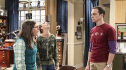 Voici pourquoi Sheldon Cooper tape trois fois à la