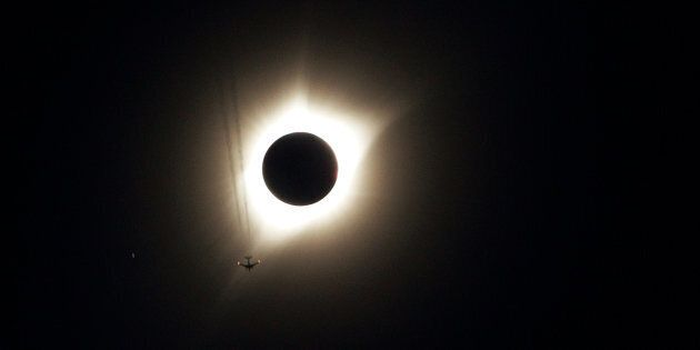Pour voir l'éclipse solaire en direct, c'est par