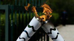 Brésil: la flamme olympique arrive, Rousseff s'apprête à