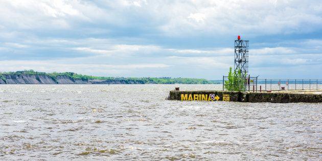 La Loi de 2001 sur la marine marchande du Canada (LMMC 2001), administrée par Transports Canada, est la principale loi fédérale régissant la sécurité du transport maritime et la protection de l'environnement marin.