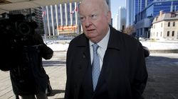 Mike Duffy poursuit le gouvernement