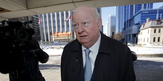 Mike Duffy, innocenté d'accusations de fraude, poursuit
