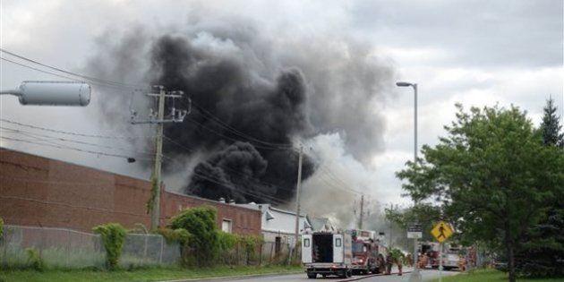 Incendie à Longueuil : pas de danger pour la santé des résidents, selon les