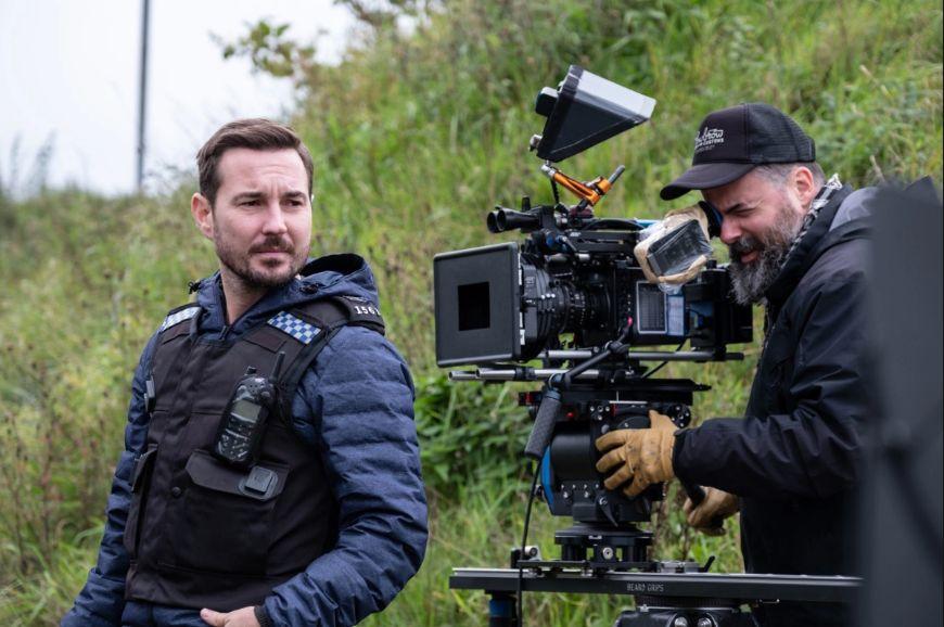 Martin Compston films a scene as DS Steve