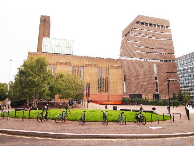 Aménagée dans une ancienne centrale électrique, la Tate Modern de Londres a présenté une grande rétrospective...