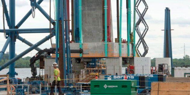 Ralentissement des travaux sur le pont Champlain : le MTQ se