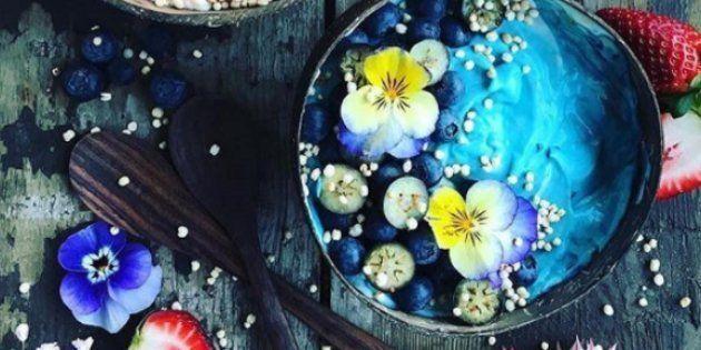 Les plats se colorent de bleu sur Instagram grâce à la « Blue Majik » et c'est