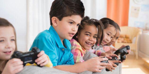 Les jeux vidéo amélioreraient le rendement scolaire, selon une