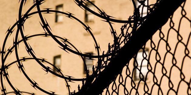 Le soldat Doc Buma mentionne qu'il sympathise avec Omar Khadr «qui a été emmené dans un autre pays par...