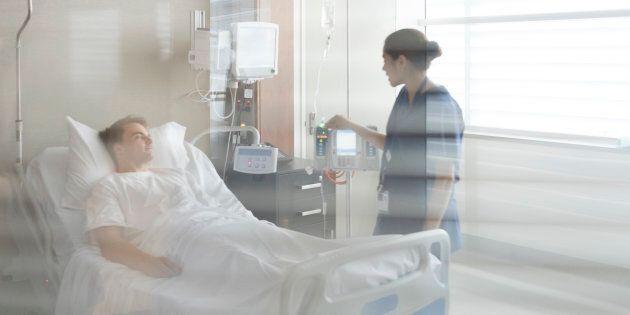 La seule façon par laquelle nous pourrons espérer faire bouger les choses est par une volonté ferme des patients de cesser d'accepter l'inacceptable.