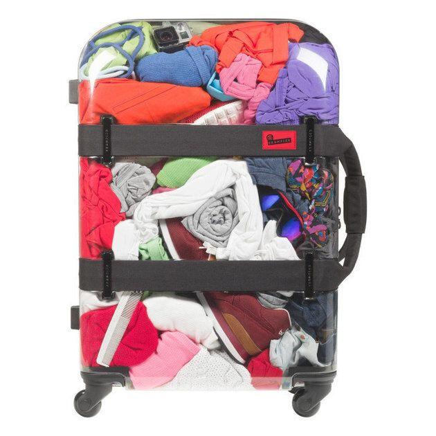 Avec cette valise transparente, impossible de sauter la case