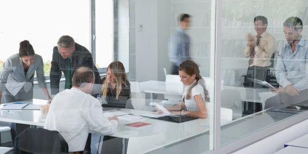 L'incivilité a une incidence directe sur la productivité sans compter la frustration qu'elle engendre qui peut se répercuter sur la clientèle.