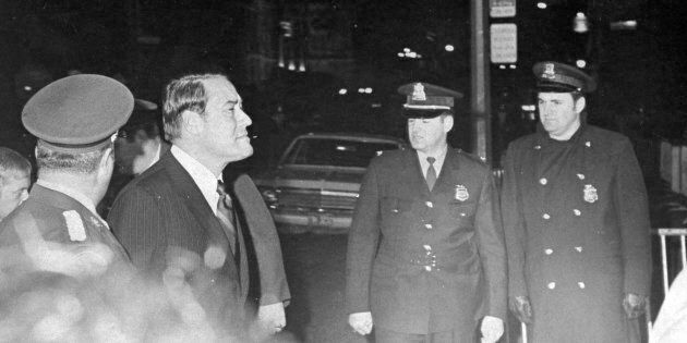 Jérôme Choquette traverse la sécurité pour entrer dans le palais de justice de Montréal, le 18 octobre...