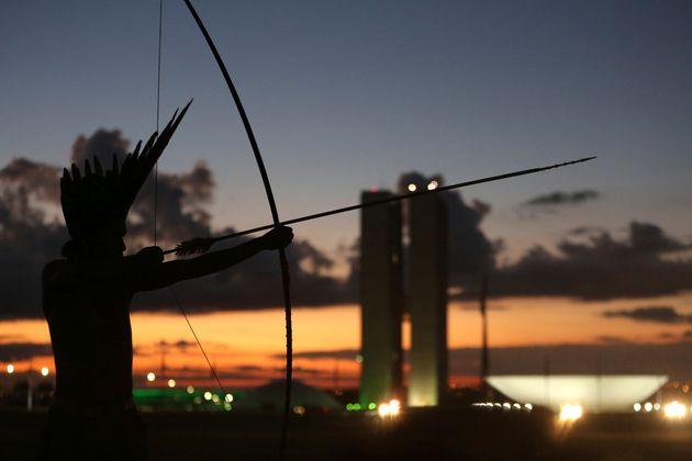 """""""[A proposta de Bolsonaro] pode não só agravar a violência, mas incentivar..."""