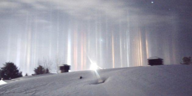 Ces impressionnantes colonnes lumineuses en Ontario ont une explication