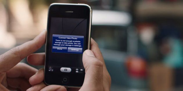 Samsung se moque de l'iPhone dans une