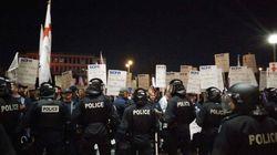 Une manifestation chaotique interrompt le conseil municipal de