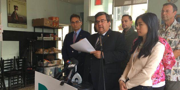 Le maire Coderre promet des «wet shelters» pour les personnes en situation
