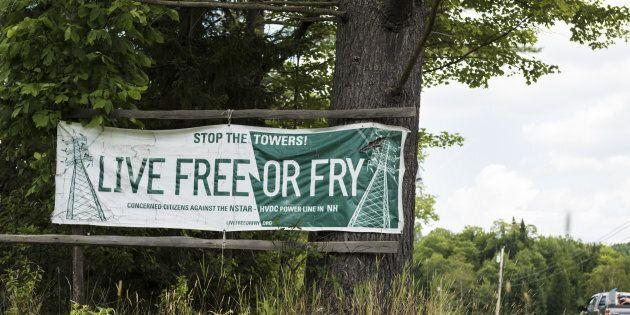 Une affiche des opposants du côté du New Hampshire (10 août